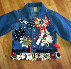 Great for outgrown jean jacket Denim Decor, Baby Girl Jeans, Demin Jacket, Jean Jacket For Girls, Painted Clothes, Embellished Jeans, Jeans Material, Recycled Denim, Denim And Lace