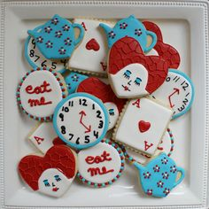 Alice in Wonderland Cookies! Alice and Wonderland in wonderland queen Mad Hatter Party, Mad Hatter Tea, Mad Hatters, Alice In Wonderland Birthday, Alice In Wonderland Tea Party, Winter Wonderland, Alice Tea Party, 1st Birthday Parties, Card Birthday