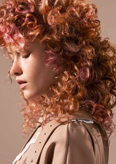 Collezione Trend Report 2020 - forme, texture e trend Curled Hairstyles, Wedding Hairstyles, Toni And Guy, Textured Hair, Beauty Routines, Hair Looks, Ponytail, Hair Extensions, Your Hair