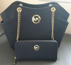 MICHAEL KORS NAVY BLUE SAFFIANO TRAVEL CHAIN TOTE BAG & MATCHING ZIP WALLET SET