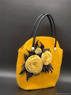 a2939ff51ad1 2583 Best Handbags images in 2019   Purses, Satchel handbags, Beige ...