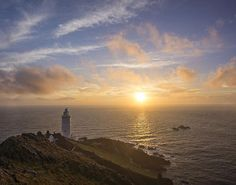 """@metoffice #weather #sunrise #startpoint Amazing conditions at Start Point Light House on Saturday at sunrise."""