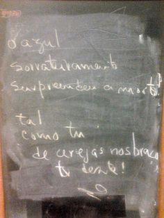 PALAVRAS À SOLTA!: O AZUL E A MORTE