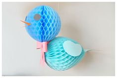 DIY Honeycomb Birds - so cute Newborn Needs, Honeycomb Paper, Paper Crafts, Diy Crafts, Easter Activities, Vintage Easter, Diy Photo, Happy Day, Diy Projects