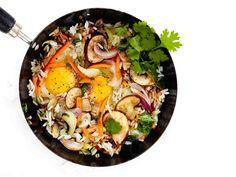 Käytä riisipannuun edellisen päivän aterialta tähteeksi jäänyt riisi.
