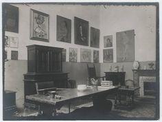 Gertrude Stein's apartment at27 Rue de Fleurus, Paris,1920