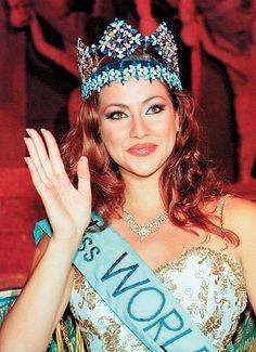 Irene Skliva - Miss World 1996 World Winner, Beautiful People, Beautiful Women, Western World, Miss World, Beauty Pageant, Special People, Beauty Essentials, Irene