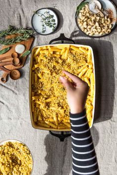 This Vegan Pumpkin Baked Ziti recipe is the perfect easy Thanksgiving Vegetarian main dish. It can even be made ahead of time and baked just before serving! Baked Ziti Vegetarian, Vegetarian Recipes Dinner, Vegan Dinners, Vegan Vegetarian, Healthy Pasta Recipes, Spicy Recipes, Fall Recipes, Vegan Recipes, Vegan Pumpkin