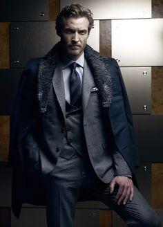 Współczesny płaszcz firmy Brioni
