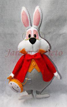 Coelho Branco em feltro / White Rabbit felt - Alice in Wonderland
