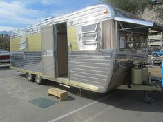 Boles Aero - 1965 | Flickr - Photo Sharing! Retro Trailers, Vintage Travel Trailers, Camper Trailers, Vintage Rv, Vintage Campers, Tin Can Tourist, Camper Renovation, Trailer Remodel, Remodeled Campers