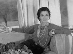 elegancepedia Coco Chanel Quotes, Chanel Brand, Chanel Resort, Sophisticated Outfits, Vogue, French Fashion Designers, Vintage Glamour, Vintage Chanel, Only Fashion