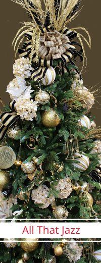 #christmas #holidaytree #christmastree #englishgardens #treetopper #snowflake…