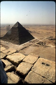 30 Beautiful Photo Great Pyramid of Giza, Egypt Ancient Ruins, Ancient Egypt, Ancient History, Cap Vert, Great Pyramid Of Giza, Pyramids Of Giza, Giza Egypt, Ancient Civilizations, Architecture