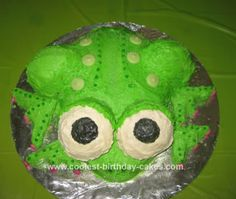 Homemade Gluten-Free Frog Birthday Cake: I found out my daughter had celiac disease recently, so she cannot eat any gluten. My younger daughter's birthday was coming up and she loves frogs and