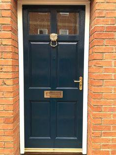 Hague Blue exterior gloss: Farrow and Ball Front Door Paint Colors, Painted Front Doors, Paint Colours, Exterior Colors, Interior And Exterior, Door And Window Design, Victorian Front Doors, Hague Blue, Metallic Wallpaper