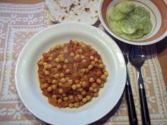 Dora curry kikkererwten 2 klein Chapati, Chana Masala, Curry, Beans, Vegetables, Ethnic Recipes, Food, Curries, Essen