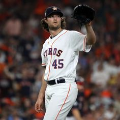 Yankees Rumors: Gerrit Cole Offered Record 7-Year, $245M Contract by NY | Bleacher Report | Latest News, Videos and Highlights Cy Young, David Price, Mlb Players, American League, Free Agent, New York Yankees, Espn, Highlights, Baseball Cards