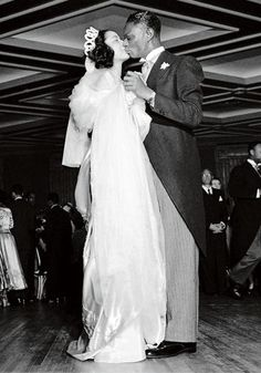 Nat King Cole Marriage | American jazz singers Nat King Cole and Maria Ellington share a kiss ...