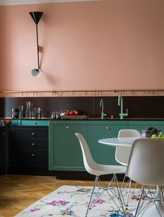 Colorful Room Inspiration: A Kitchen for Every Color of the Rainbow | Apartment Therapy