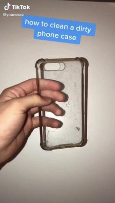 activities Clean a clear dirty phone case ideas Activities case Clean clear Clothing hacks videos dirty phone Amazing Life Hacks, Simple Life Hacks, Useful Life Hacks, Diy Crafts Hacks, Diy Home Crafts, Diy Cleaning Products, Cleaning Hacks, Iphone Life Hacks, Everyday Hacks