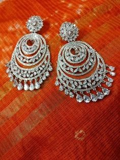 Jewelry Design Earrings, Ear Jewelry, Jewelry Art, Fine Jewelry, Indian Jewellery Design, Indian Jewelry, Heart Earrings, Hoop Earrings, Free Hand Rangoli Design