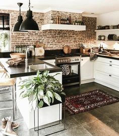its-my-living:The Definitive Source for Interior Designersits-my-homeliving:Kitchen Inspiration //. its-my-living:The Definitive Source for Interior Designersits-my-homeliving:Kitchen Inspiration //. Home Decor Kitchen, Home Kitchens, Kitchen Ideas, Small Cabin Kitchens, Modern Country Kitchens, Bungalow Kitchen, Tuscan Kitchens, Contemporary Kitchens, Kitchen Trends