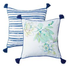 The Savannah Blooms Collection: from floral plateware and patterns that pop, treat guests to a charming afternoon.Pile on pretty prints and patterns to make your home feel even happier. Diy Pillow Covers, Stripe Print, Savannah Chat, Gifts For Dad, Decorating Your Home, Decor Styles, Print Patterns, Floral Prints, Bloom