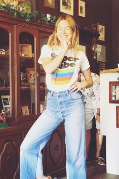 Camille Rowe Off Duty Street Style Inspiration 70s Inspired Fashion, 70s Fashion, Fashion Trends, Fashion Ideas, 70s Vintage Fashion, Fashion Today, Inspired Outfits, Fashion Black, Paris Fashion