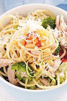 Nail your weeknight dinner by serving mimmy's Tuna Spaghetti with Broccoli, Lemon and Chilli.