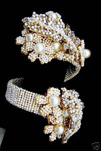 vintage Miriam Haskell bracelet  Love Love Love !  Very beautiful vintage piece.
