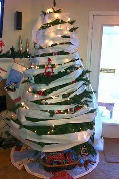 The Most Ridiculous Christmas Trees On Social Media