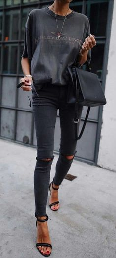 16 Trendy Autumn Street Style Outfits For 2018 - Brenda O.- 16 Trendy Autumn Street Style Outfits For 2018 – Brenda O. 16 Trendy Autumn Street Style Outfits For 2018 – - Fashion Mode, Look Fashion, New Fashion, Fashion Trends, Fashion Black, Fashion Edgy, Dress Fashion, Autumn Fashion 2018 Women, Fashion Ideas