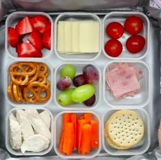 5 great ideas for your kids' lunch box - snacks Kids Packed Lunch, Lunch Kids, Boite A Lunch, Vegetarian Lunch, Toddler Meals, Healthy Kids, Family Meals, Good Food, Food And Drink