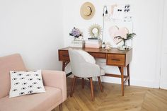 Feminine home office inspiration Home Office Design, Home Office Decor, Desk Inspiration, Interior Exterior, Home Office Furniture, My New Room, Office Interiors, Living Spaces, Living Room