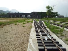 It is a 5-inch gauge railway was built in the old Bungo forest agency warehouse located in Oita Prefecture Kusu Kusu. I am proud of the West's largest.