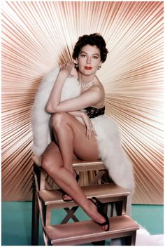 ava-gardner-born-on-december-24-1922-photo-by-everett-collection.jpg 1,300×1,940 pixels