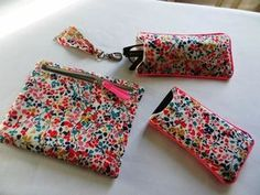 Cases and their tutorials Source by loelem Coin Couture, Couture Sewing, Liberty Quilt, Diy Sac, Diy Bags Purses, Diy Handbag, Creation Couture, Fabric Bags, Sewing Accessories