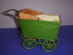 Vintage German Tin Miniature Toy Doll Carriage! Pram Toys, Dolls Prams, Doll Toys, Metal Toys, Tin Toys, Vintage Pram, Vintage Toys, Traditional Toys, Baby Supplies