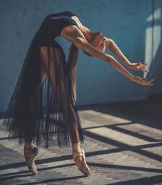 ballerina, dance, and ballet image - Photo Dance Photography Poses, Dance Poses, Dance Picture Poses, Sad Girl Photography, Movement Photography, Ballet Dance Photography, Gif Dance, Body Art Photography, Photography Ideas