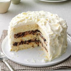 Lady Baltimore Cake Recipe- Recipes I first made this cake for my fathers' birthday and now it is the only cake that he requests. This cake has complex flavors and is very unique. Baking Recipes, Cake Recipes, Dessert Recipes, Soup Recipes, Recipes Dinner, Round Cake Pans, Round Cakes, Lady Baltimore Cake, Bolos Naked Cake