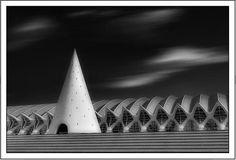 El cono. Ciudad de las Artes y las Ciencias. Valencia. | Matemolivares