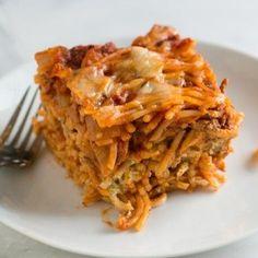 Easy Baked Spaghetti Recipe with Creamy Pesto Ragu Rezept, Recipe Pasta, Pasta Recipes, Cooking Recipes, Yummy Recipes, Kid Recipes, Shrimp Recipes, Casserole Recipes, Vegetarian Recipes