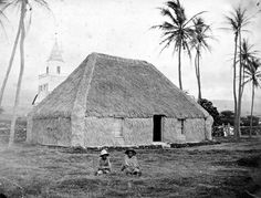 Princess Keelikōlani's hale pili (grass house) where she was born at Hulihee Palace in Kailua, Kona, Hawai'i. ca. 1883.Ruth made Huliheʻe her chief residence for most of her life, but she preferred to sleep in a grass hut on the palace grounds rather than in the palace. She invited all of the reigning monarchs to vacation at Huliheʻe, from Kamehameha III to Liliuokalani. Ruth died and left the palace to her cousin and sole heir Bernice Pauahi Bishop. Hawaii State Archives Photograph…