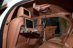 Latest Features for Second Row with Classy Concept for Roof Line