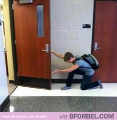 How guys should really open doors for girls.