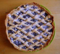 Mřížkový koláč s marmeládou nebo povidly je klasika, která zaručeně nezklame. Všichni ho známe, všichni (alespoň myslím) ho máme rádi, je jednoduchý a nenáročný na suroviny. Proč si ho tedy neupéct… Sweet Cakes, Pie, Recipes, Food, Torte, Cake, Fruit Cakes, Recipies, Essen