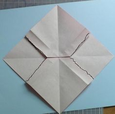 Let's create: Paper Bow Tutorial Task Boxes, Bow Tutorial, Diy Origami, Let's Create, Ribbon Bows, Christmas Fun, Projects To Try, Paper Crafts, Gift Wrapping