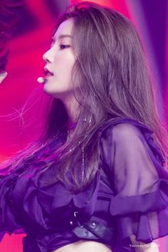 """This """"new"""" sparkling hair trend may be new to idols, but it's already familiar to many K-Pop fans who grew up in the and early Yuri, Korean Girl, Asian Girl, Korean Idols, Black Pink ジス, Purple, Hair Tinsel, Honda, Kpop Hair"""
