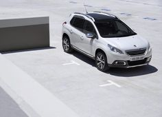 Get a last taste of the sun through the panoramic roof of #Peugeot2008! #Peugeot #Crossover #Drive #Car